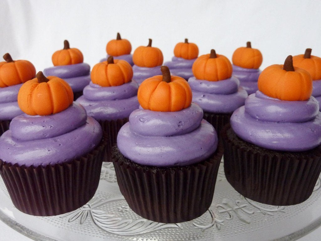 Halloween gift ideas and halloween cupcake candy delivery