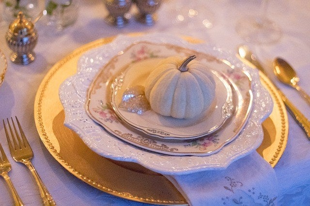 beautiful thanksgiving table decorations and elegant thanksgiving hostess gifts