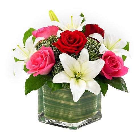 Lovely Roses Lily Floral Cube At Send Flowers