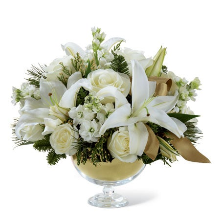 Vera wang christmas flowers bouquet with white roses and white lilies
