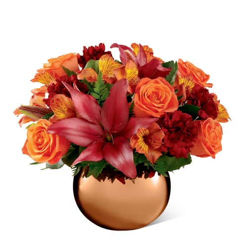 Thanksgiving centerpieces for the dinner table and burgundy lily flower centerpiece