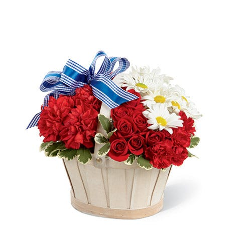 Basket of red roses or red roses basket with cheap flowers for rose delivery