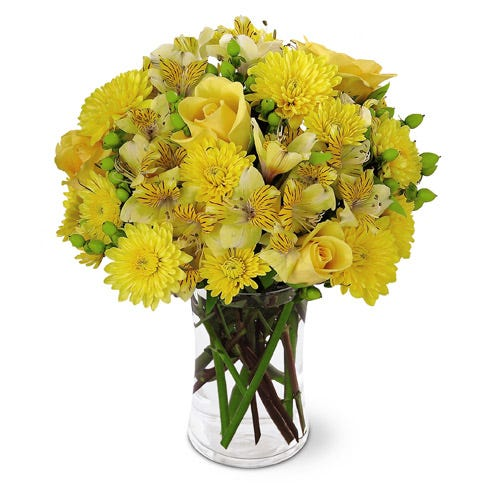 Yellow rose bouquet with yellow daisies and yellow peruvian lilies