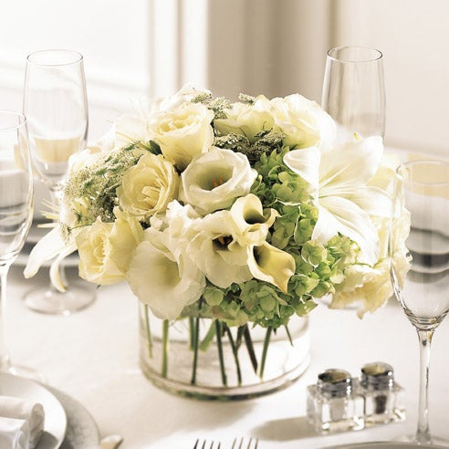 White rose centerpiece for a cute valentine's day table centerpiece gift