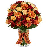 Sweet Poses of Orange Roses Bouquet